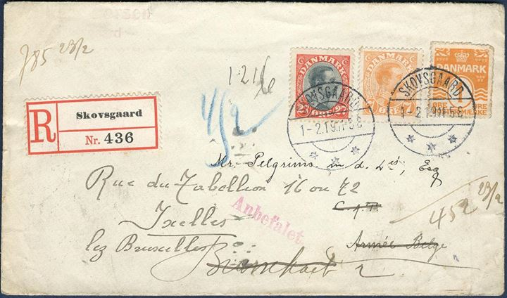 "Registered letter to Belgium from Skovsgaard 1 February 1919 bearing 1 øre wavy-line, 7 øre Chr. X yellow and the 27 øre bicoloured King Christian X all tied by CDS Skovsgaard. Very good looking letter, correct franking. On the back a 10 øre adhesive CARITAS ""BELGISKE BØRN"" quite a scarce label."