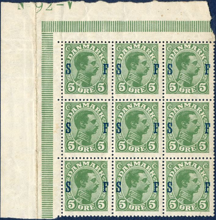 5 øre King Christian X, soldierstamp overprint SF. Cleaved 'C' pos. 13 in the sheet, corner sheet margin incomplete, printing number No. 92-V.